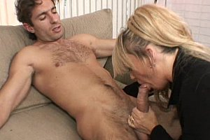 Ältere Mommy and younger cock
